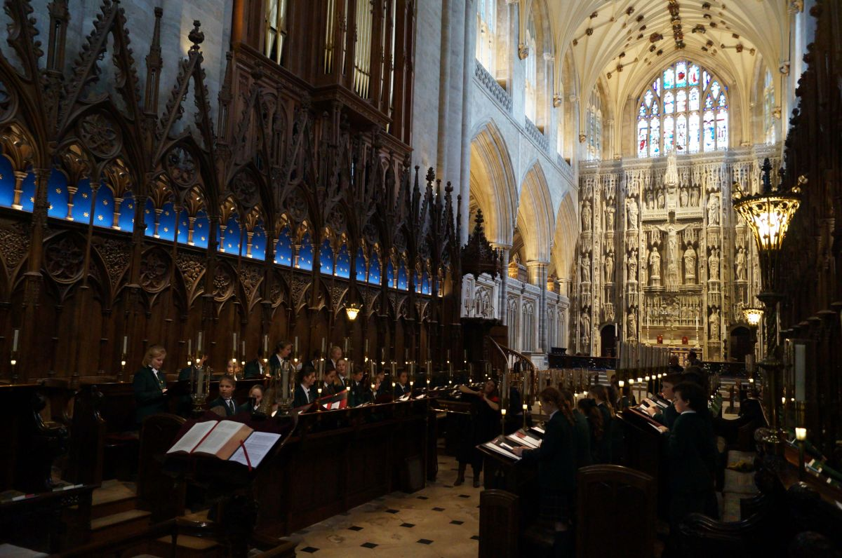 Senior Choir sing Evensong at Winchester Cathedral