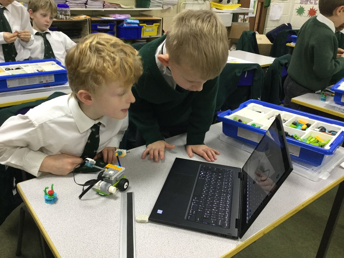 Year 3 get creative with new 'Lego WeDo' kits